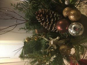 Best Christmas arrangement for best prices in town made by a pro Windsor Region Ontario image 10