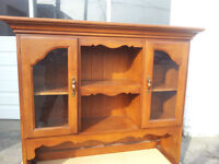 Vilas Furniture Vintage Solid Wood/Glass Hutch Top