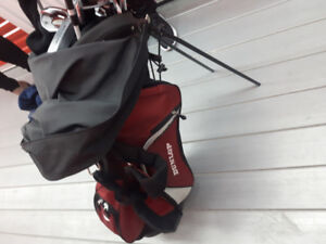Golf Clubs  Dunlop full set  for Righty .
