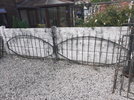 Wrought iron railings / wall toppers / garden fencing / metal fence /