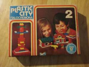PLASTIC CITY Lego Like Toy Building Block Vintage Italy Italian