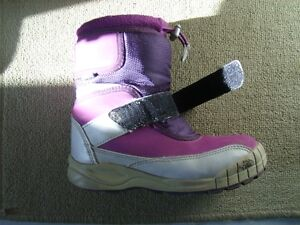 Girl's The North Face 2 Tone Purple Winter Boots Size 13 Kitchener / Waterloo Kitchener Area image 5