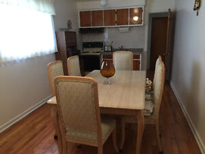 Granite Dinning Room Table w/ 6 chairs