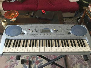 Yamaha model psr- 273 keyboard excellent condition