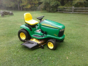 2004 John Deere LT190 Riding Lawnmower
