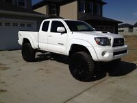 2009 white Toyota Tacoma TRD sport for sale!!