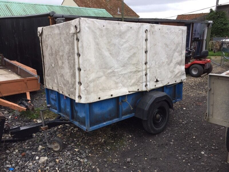 8x4 trailer with metal frame and cover