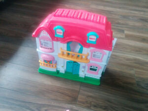 plastic foldable  doll house