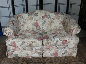 Floral Loveseat from Bothwell Furniture