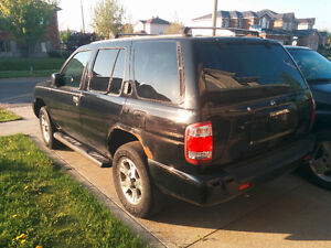 Parting out 2002 Nissan Pathfinder SUV Kitchener / Waterloo Kitchener Area image 2