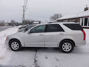 2007 Cadillac SRX awd  looking for truck for trade