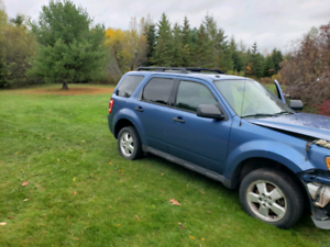 2009 Ford Escape parts or repair