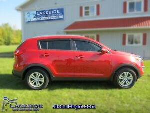 2013 Kia Sportage LX  - local - trade-in - non-smoker