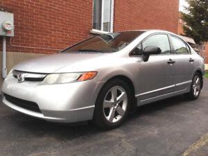 Honda Civic 2007 automatique (76000 km)