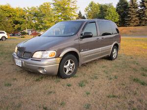 2000 Pontiac Montana 2 tone Minivan, Van