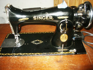 Singer sewing machine  15-91 in cabinet and stool