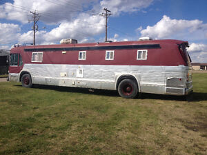 1976 GMC BUS CONVERTED TO MOTORHOME