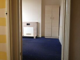 A very big double bedroom for rent, close to Canning Town jubilee line