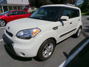 2010 KIA SOUL+ 4U, 2.0L 4CYL, MOON ROOF, ALLOYS, HEATED SEATS