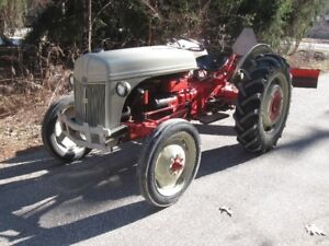 Old Ford Tractor - Runs Great