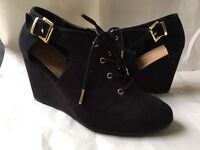 New Look brand new wedge heels, size 5