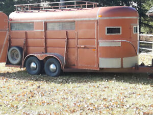3/4 horse trailer older exc. cond. BRAND NEW AXLE, TIRES, BRAKES