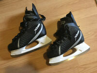 Skates size 7 / Patins taille 7