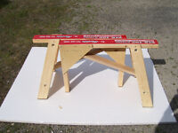 Sawhorses (A-frame stands)