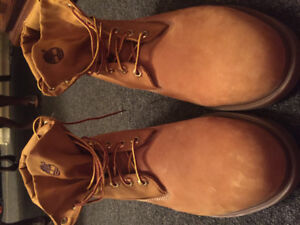 Never worn size 14 mens Timberland boots