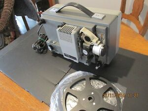 + Vintage 8 mm Projector + with Portable Viewing Screen + London Ontario image 7
