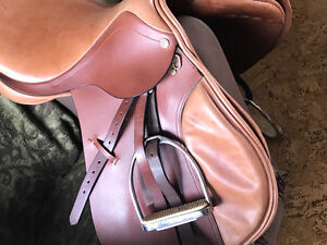 Barnsby Jay Close Contact Saddle