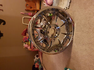 Selling 20 inch chrome rims