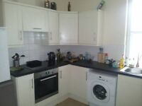 2 spacious rooms available in the heart of Bedminster!