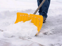 Removal snow in homes!             647 654 2305
