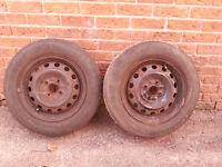 deux pneus sur jantes p 185-65-14