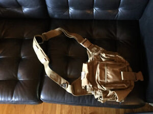 UTG tan messenger bag