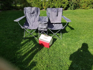 FOLDING CHAIR FOR 2