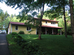 Quiet Country Living in the City - House For Rent