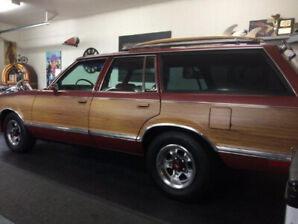 Station Wagon Pontiac Bonneville 1983