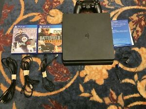 ps4 perfect condition 2 games 1 controller earbuds