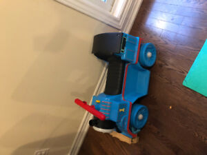 Thomas Fisher Price Power Wheels 6v Ride On