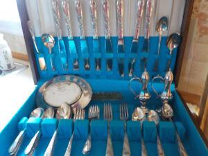 Coffret-Coutellerie Oneida Community Silversmiths Tudor Plate