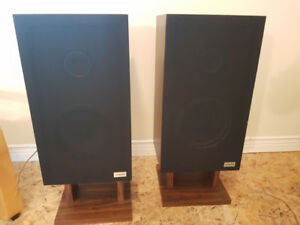 Vintage Hitachi Speakers - Model HSP-400