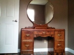 Make-up/Dressing Table