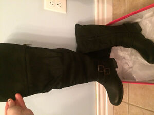 Brand new never worn winter boots St. John's Newfoundland image 2