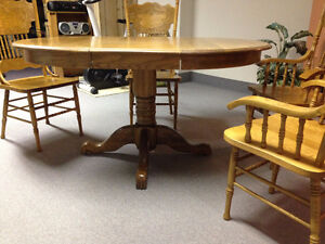 Solid oak table and chair Peterborough Peterborough Area image 2