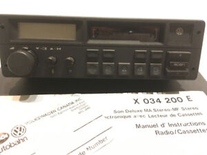 Volkswagen Deluxe Sound AM Stereo-FM Stereo Radio with Cassette