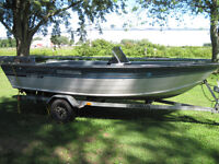DEEP+WIDE GRUMMAN 16.5 FT ALUMINUM....with or without MOTOR