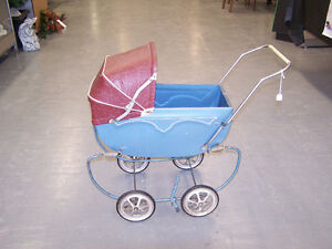 GREG'S ANTIQUES and COLLECTABLES - DOLL BUGGY