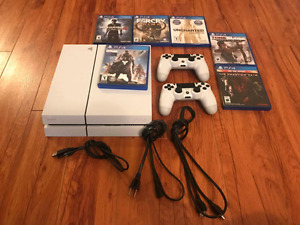 White Ps4 + 2 Controllers and 6 Games